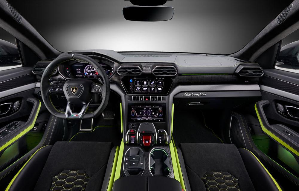 Lamborghini Urus primește noul pachet de design Graphite Capsule: patru noi culori de caroserie și jante de 23 inch - Poza 6