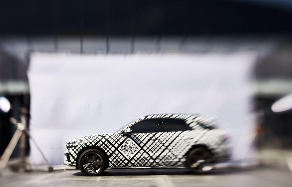 Primele imagini cu prototipul viitorului Genesis GV70: SUV-ul de clasă medie va fi introdus și pe piața din Europa - Poza 2