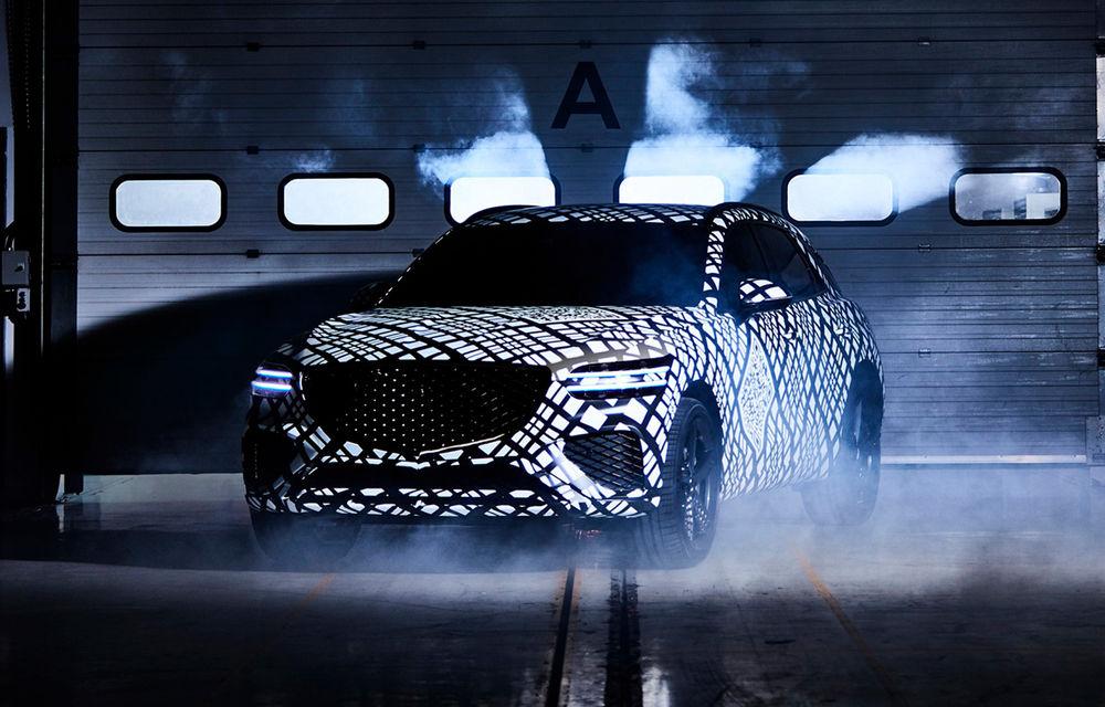 Primele imagini cu prototipul viitorului Genesis GV70: SUV-ul de clasă medie va fi introdus și pe piața din Europa - Poza 1