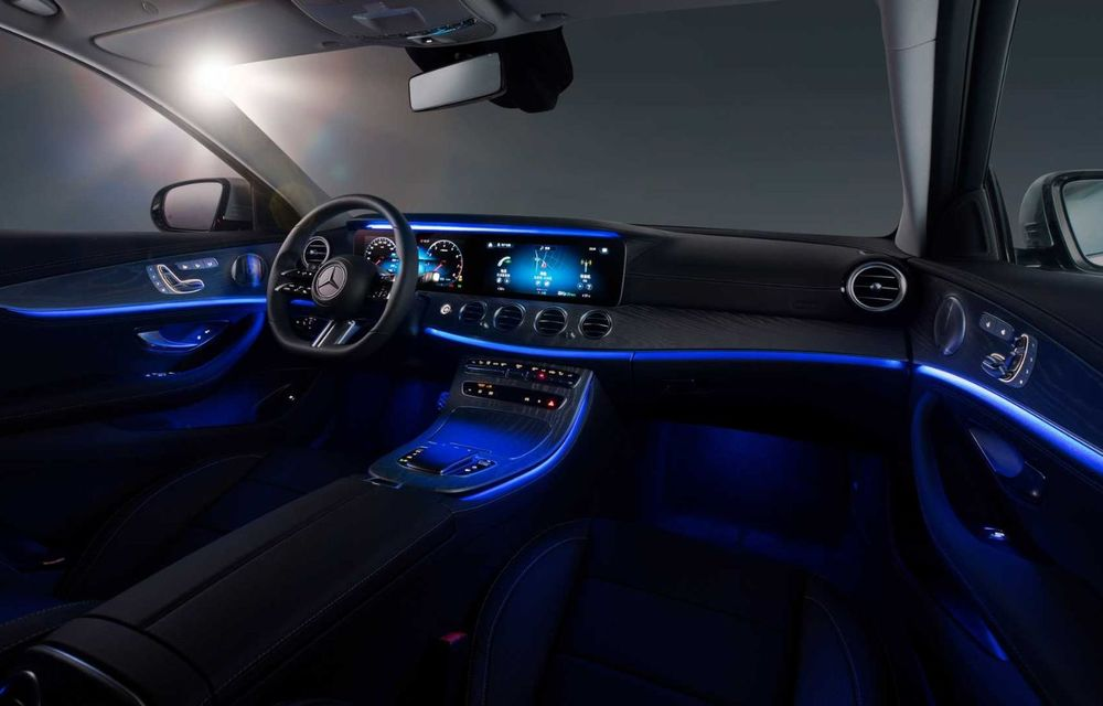 Mercedes-Benz a prezentat versiunea cu ampatament mărit a lui Clasa E facelift: modelul va fi disponibil doar pe piața din China - Poza 5