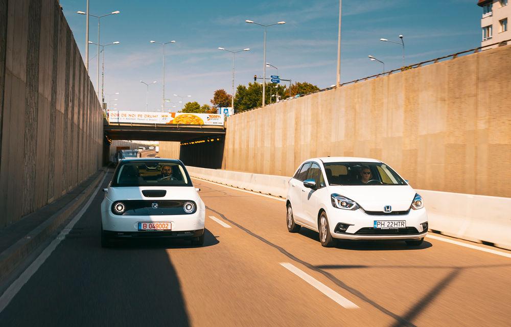 Honda versus jungla urbană: hibridul Jazz față în față în față cu electricul Honda e - Poza 1
