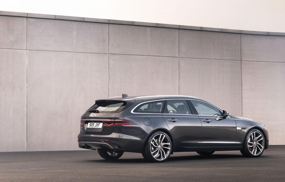Jaguar XF primește un facelift: sistem de infotainment de 11.4 inch, motor pe benzină de până la 300 CP și diesel mild-hybrid de 204 CP - Poza 3