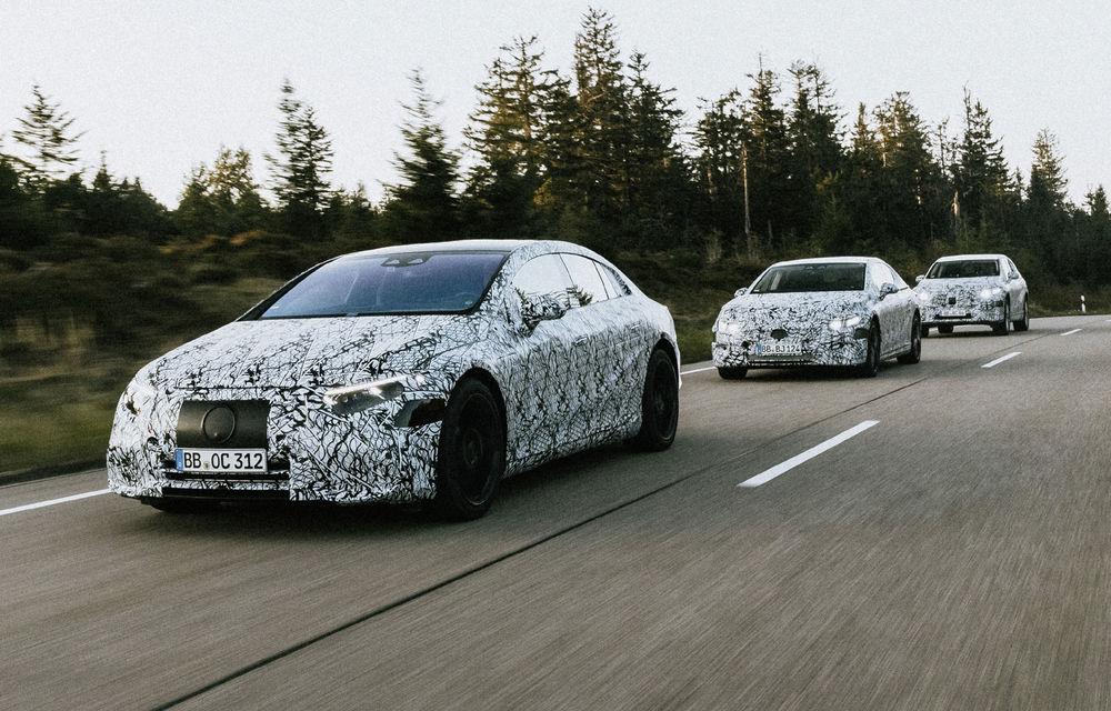 Imagini sub camuflaj cu Mercedes-Benz EQS, EQE și EQE SUV: noile modele electrice vor apărea pe piață începând din 2021 - Poza 2