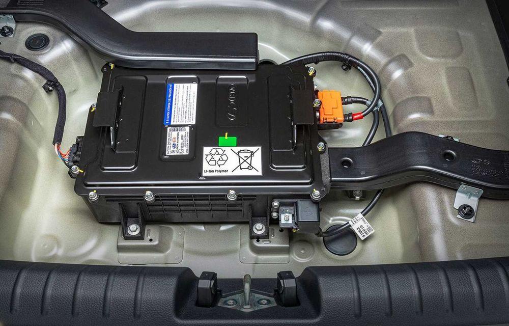 Kia introduce versiunea GT Line și pentru Stonic facelift: accesorii speciale de exterior și noutăți la interior - Poza 15