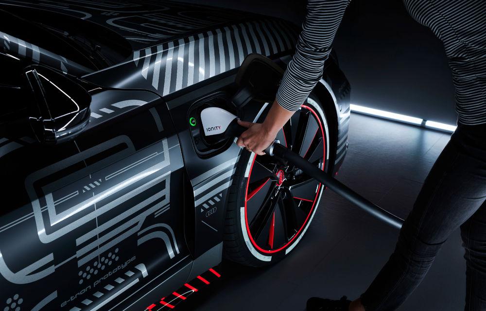 Audi publică teasere cu versiunea de serie a lui e-tron GT: sportiva electrică va avea autonomie de 400 de kilometri - Poza 72