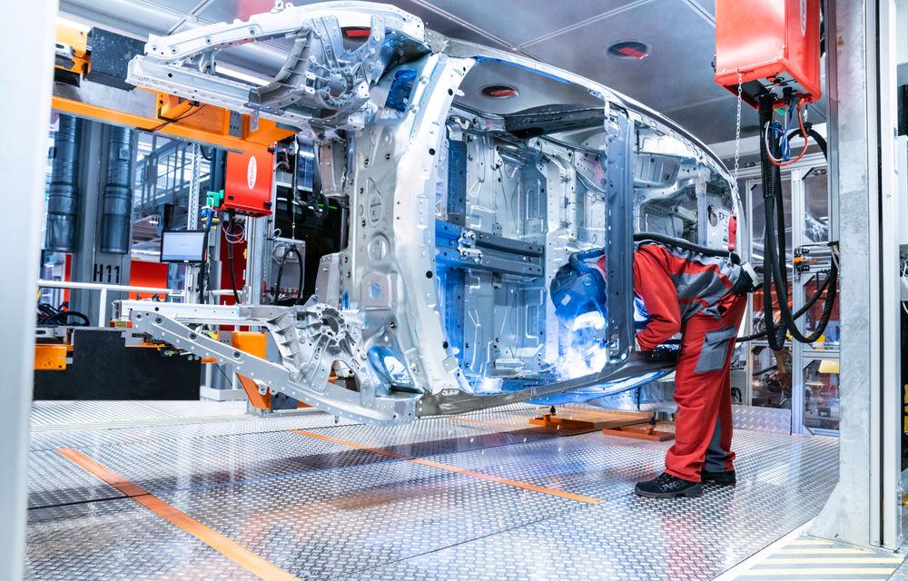 Audi publică teasere cu versiunea de serie a lui e-tron GT: sportiva electrică va avea autonomie de 400 de kilometri - Poza 86