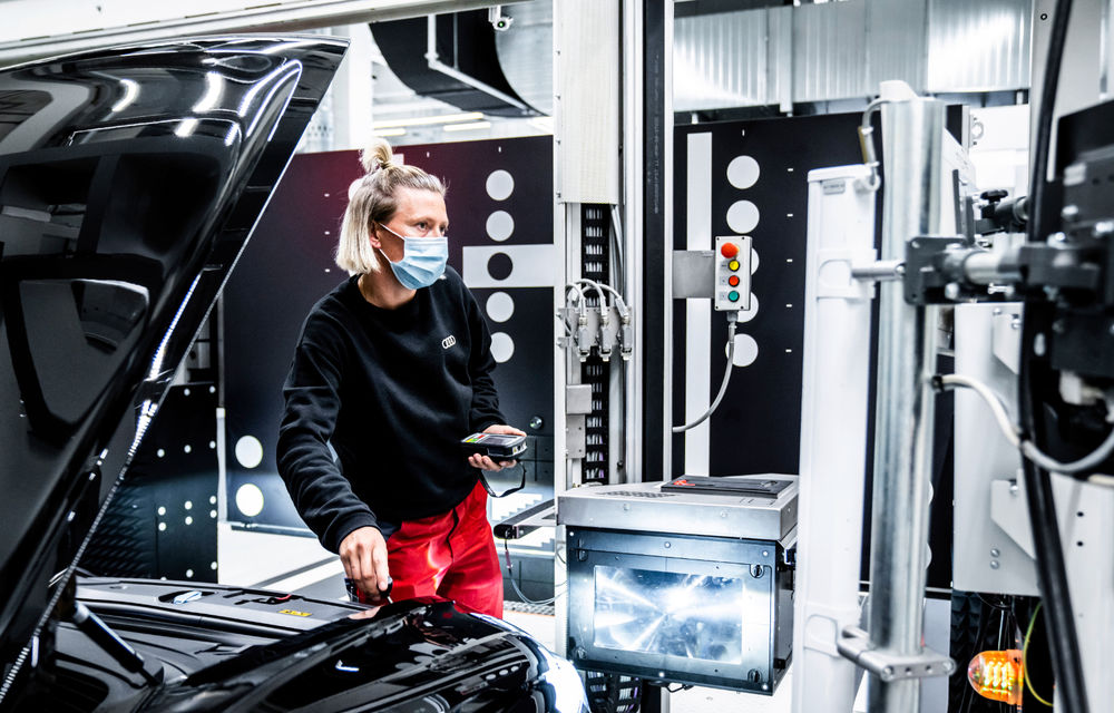 Audi publică teasere cu versiunea de serie a lui e-tron GT: sportiva electrică va avea autonomie de 400 de kilometri - Poza 101