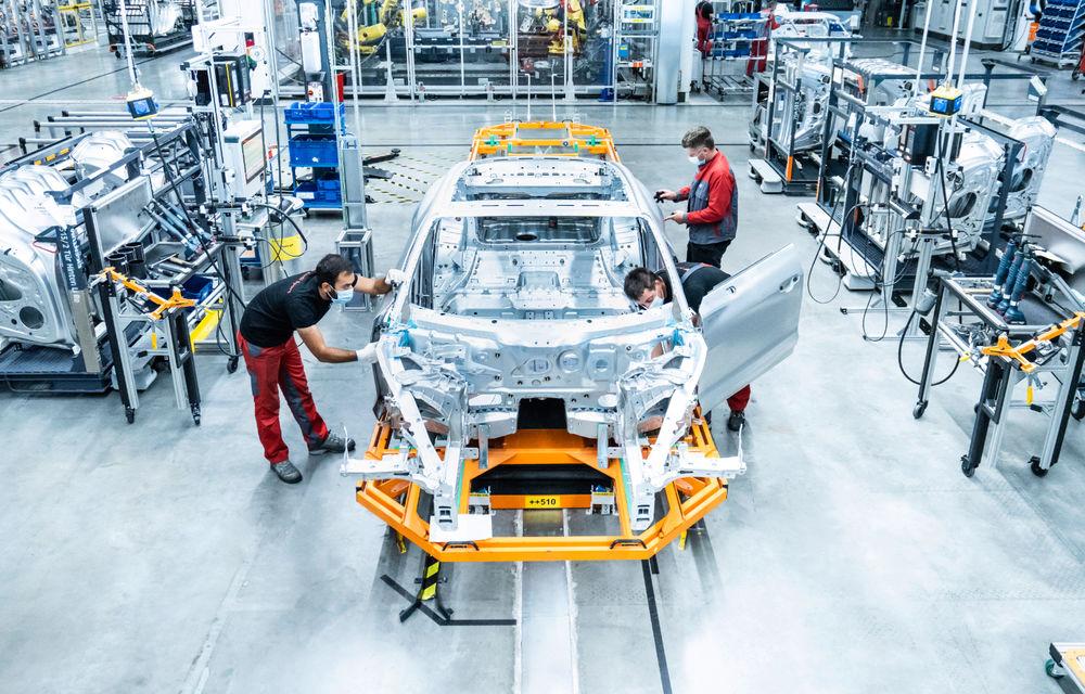 Audi publică teasere cu versiunea de serie a lui e-tron GT: sportiva electrică va avea autonomie de 400 de kilometri - Poza 105