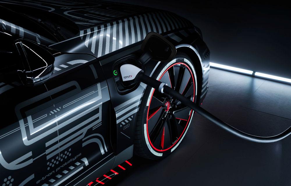 Audi publică teasere cu versiunea de serie a lui e-tron GT: sportiva electrică va avea autonomie de 400 de kilometri - Poza 71