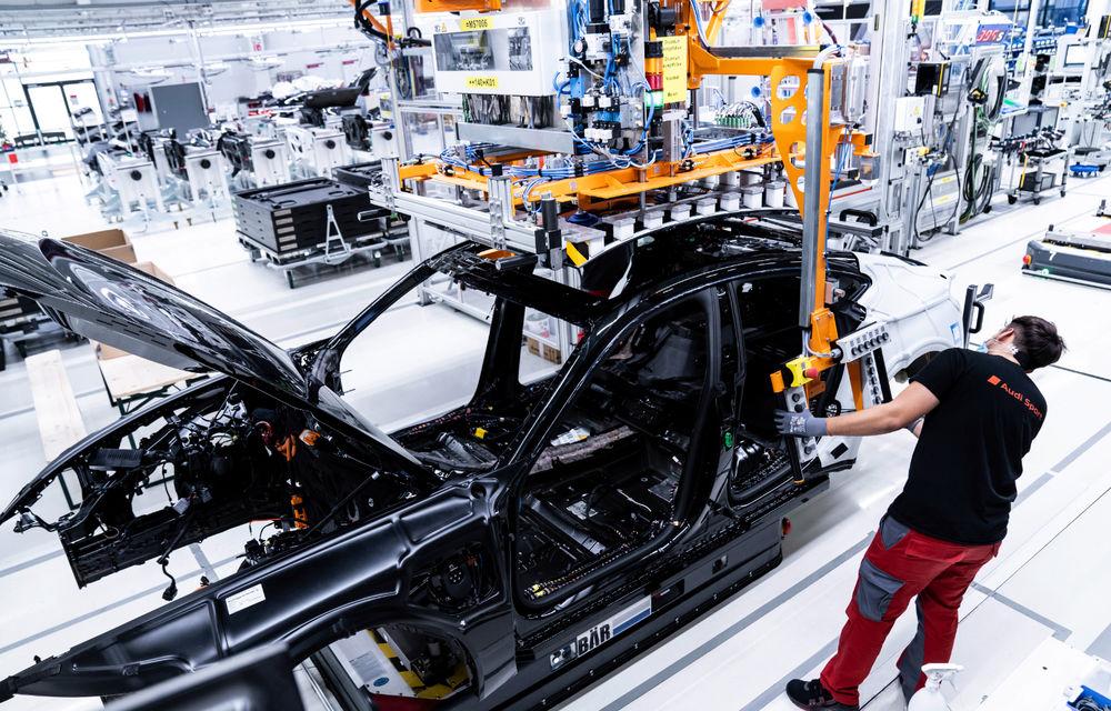 Audi publică teasere cu versiunea de serie a lui e-tron GT: sportiva electrică va avea autonomie de 400 de kilometri - Poza 93