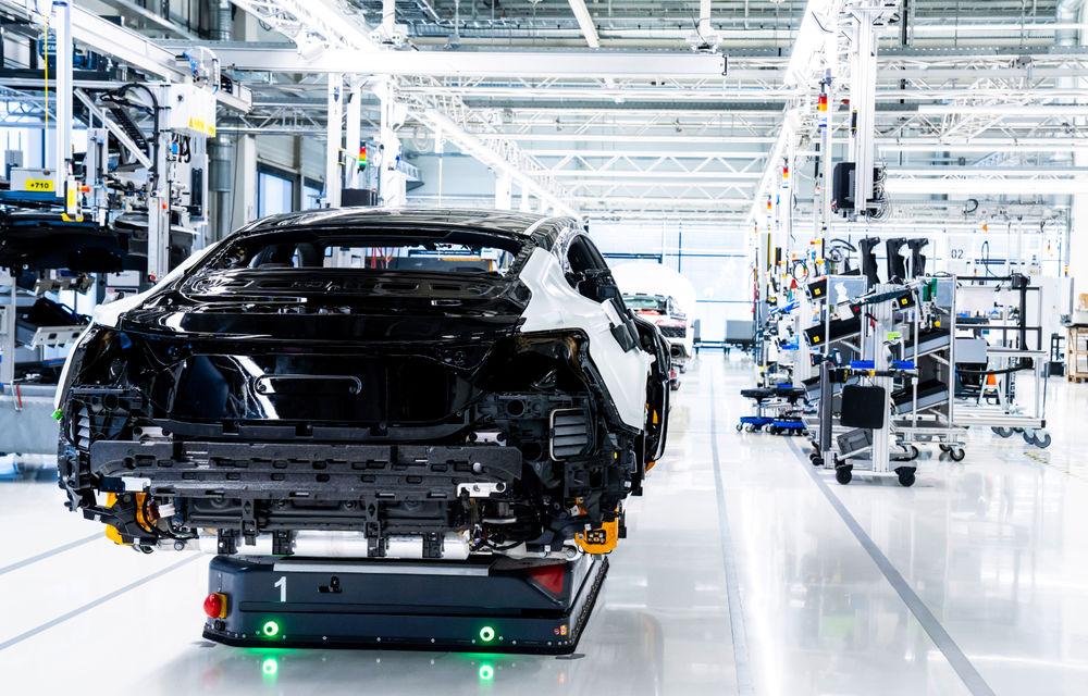 Audi publică teasere cu versiunea de serie a lui e-tron GT: sportiva electrică va avea autonomie de 400 de kilometri - Poza 91