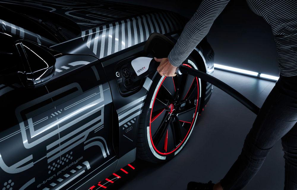 Audi publică teasere cu versiunea de serie a lui e-tron GT: sportiva electrică va avea autonomie de 400 de kilometri - Poza 73
