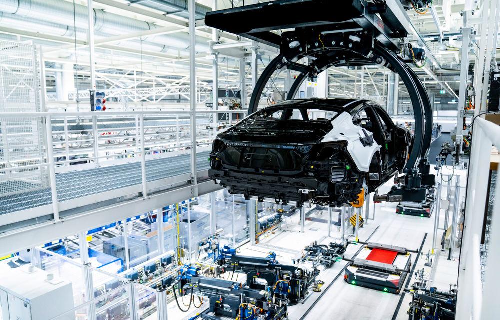 Audi publică teasere cu versiunea de serie a lui e-tron GT: sportiva electrică va avea autonomie de 400 de kilometri - Poza 90