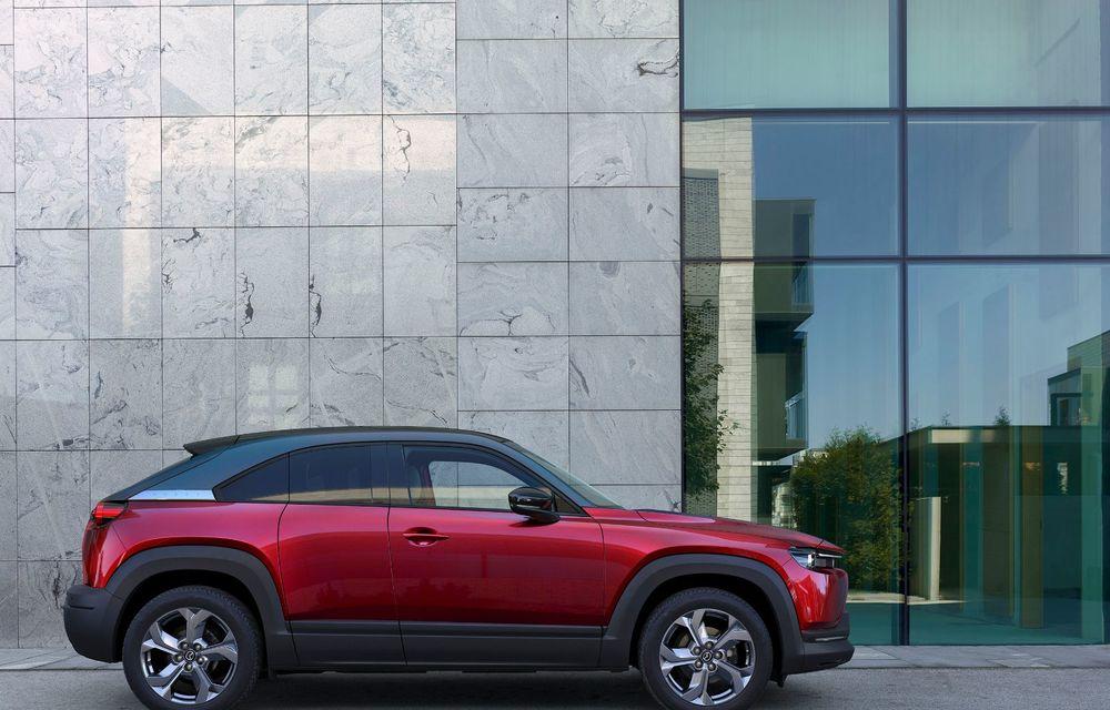 Noutăți pentru Mazda MX-30: versiune cu motor pe benzină pentru piața din Japonia și, din 2022, variantă electrică cu range extender - Poza 5