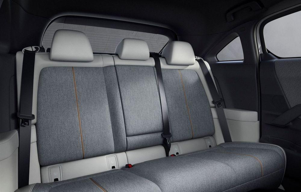 Noutăți pentru Mazda MX-30: versiune cu motor pe benzină pentru piața din Japonia și, din 2022, variantă electrică cu range extender - Poza 14