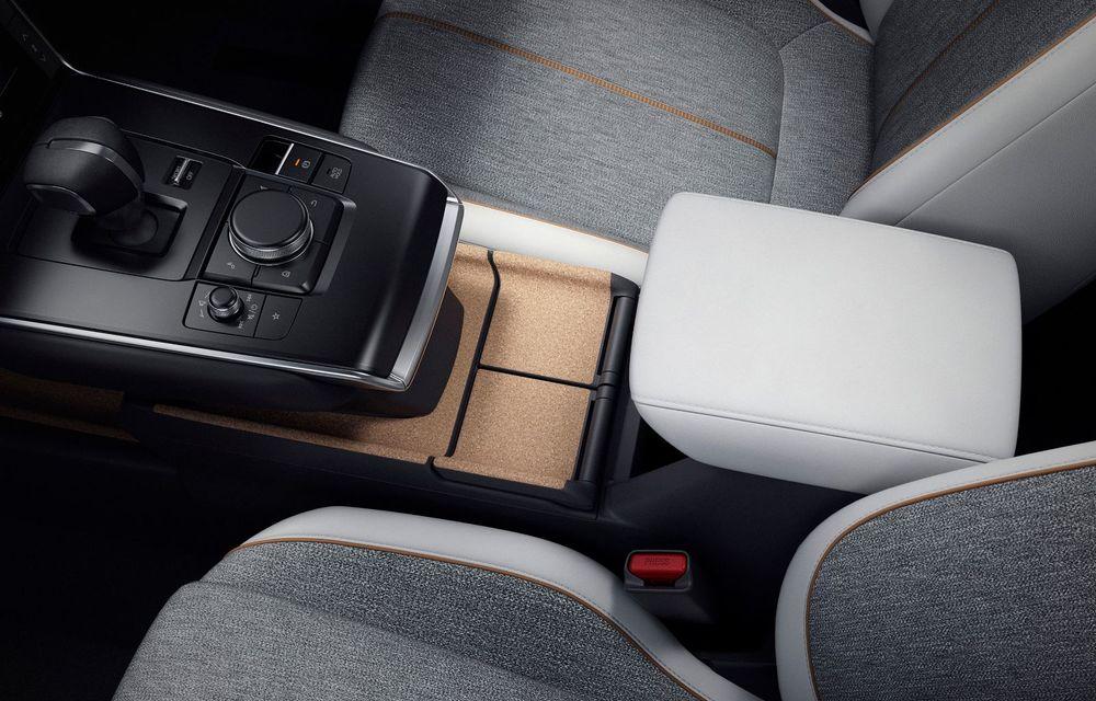 Noutăți pentru Mazda MX-30: versiune cu motor pe benzină pentru piața din Japonia și, din 2022, variantă electrică cu range extender - Poza 12