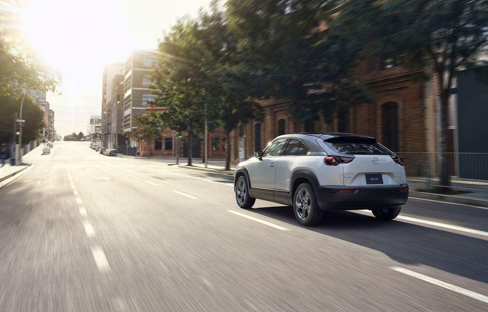 Noutăți pentru Mazda MX-30: versiune cu motor pe benzină pentru piața din Japonia și, din 2022, variantă electrică cu range extender - Poza 6