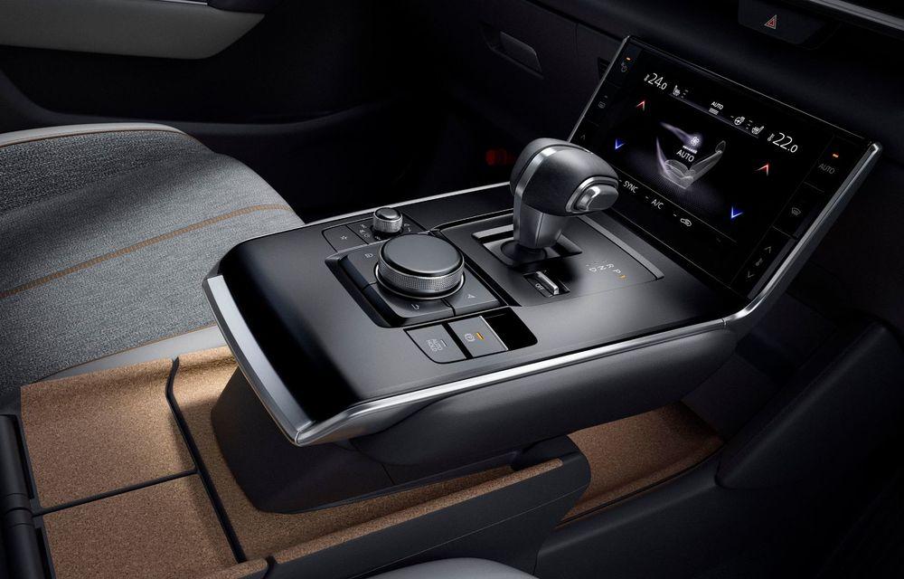 Noutăți pentru Mazda MX-30: versiune cu motor pe benzină pentru piața din Japonia și, din 2022, variantă electrică cu range extender - Poza 11