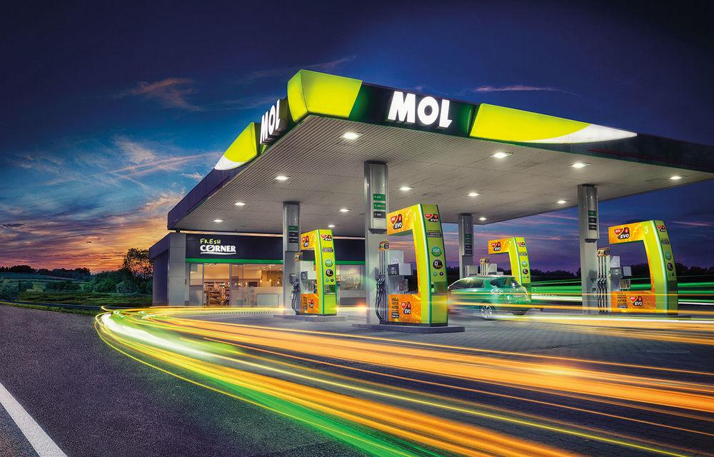 MOL România sărbătorește 25 de ani susținând Romanian Roads Luxury Edition 2020: carburant de calitate și servicii de spălătorie pentru mașinile premium-luxury din tur - Poza 1