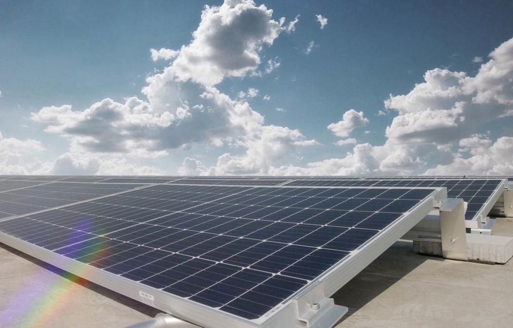 Audi a montat un parc solar pe acoperișurile uzinei din Ungaria: energia generată este suficientă pentru consumul a 5.000 de locuințe - Poza 3