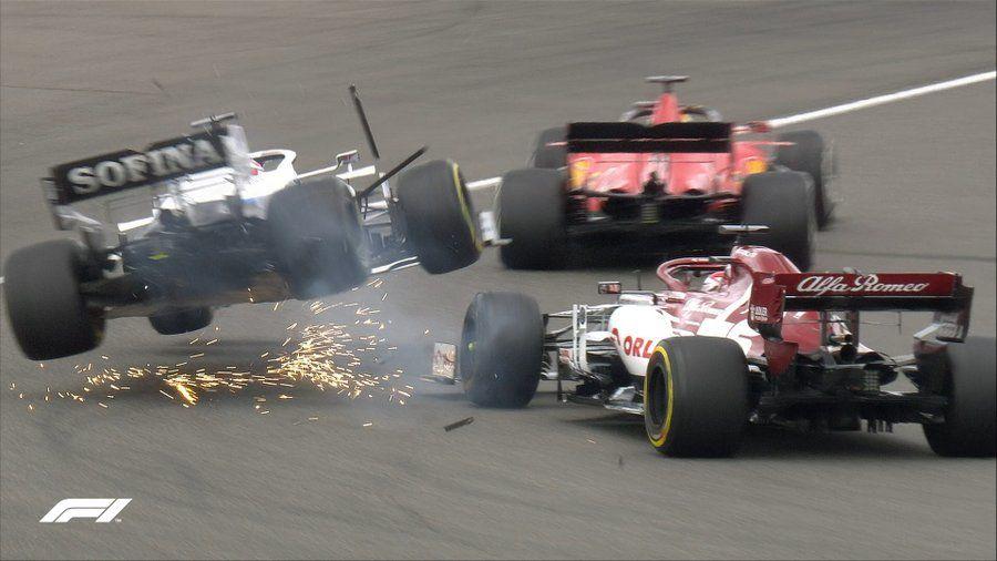 Hamilton a câștigat cursa de la Nurburgring și a egalat recordul de victorii deținut de Schumacher! Podium pentru Verstappen și Ricciardo - Poza 2