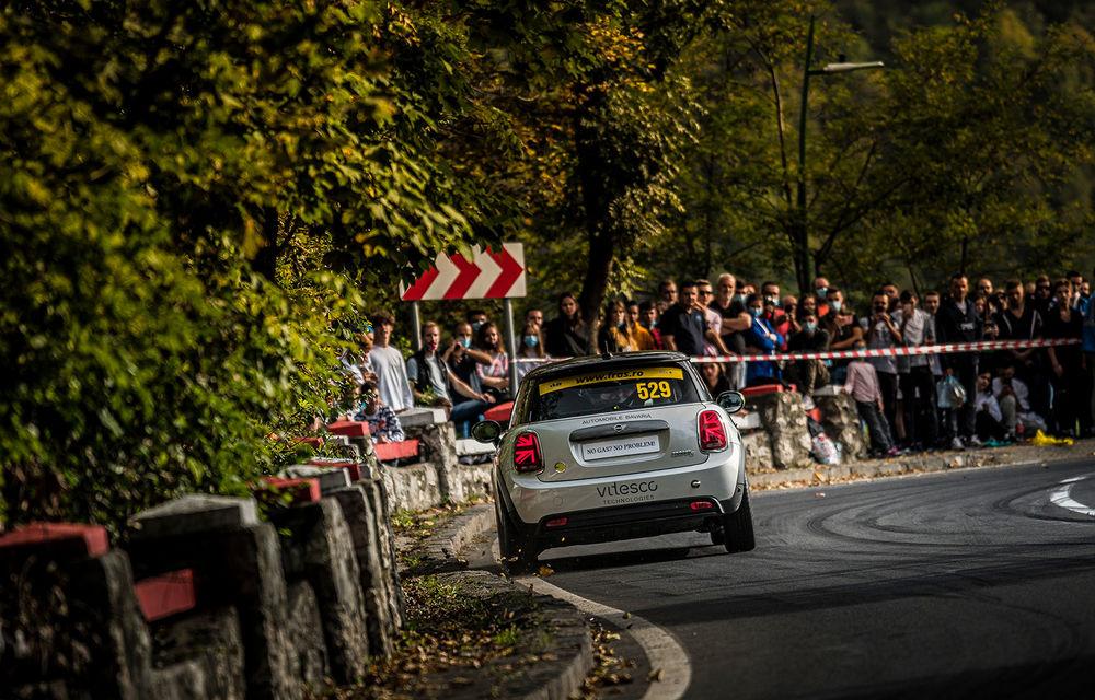 Premieră pentru modelul electric Mini Cooper SE: un exemplar de competiții dezvoltat în România a luat startul în etapa de Viteză în Coastă de la Brașov - Poza 3