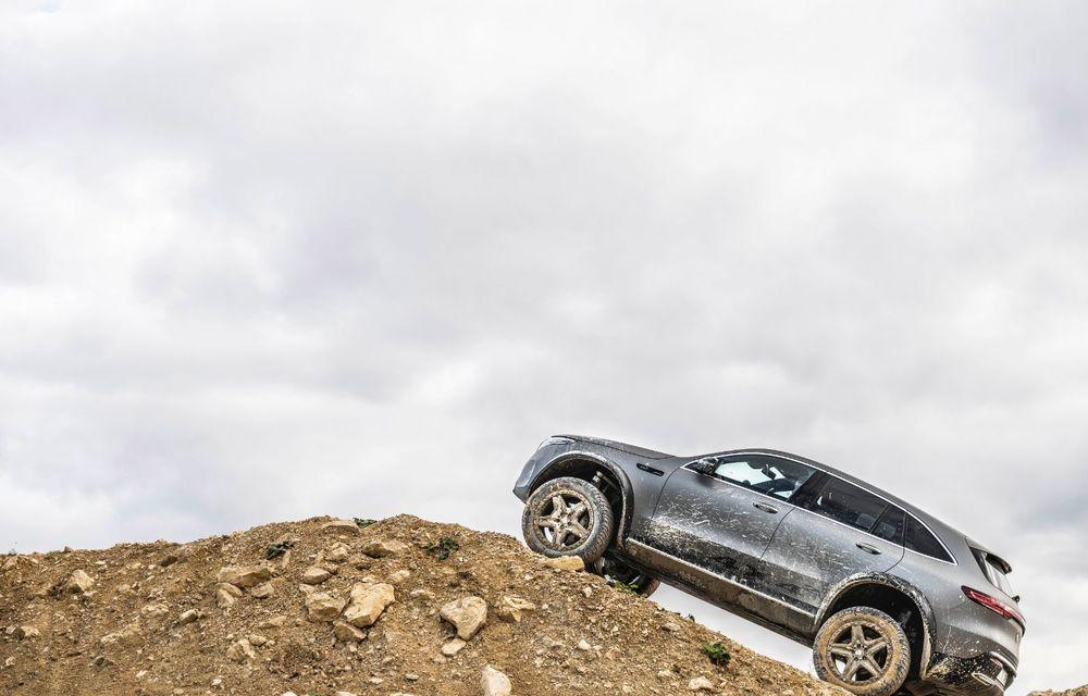 Mercedes-Benz prezintă proiectul EQC 4x4²: SUV-ul electric a fost transformat într-un vehicul de off-road - Poza 20