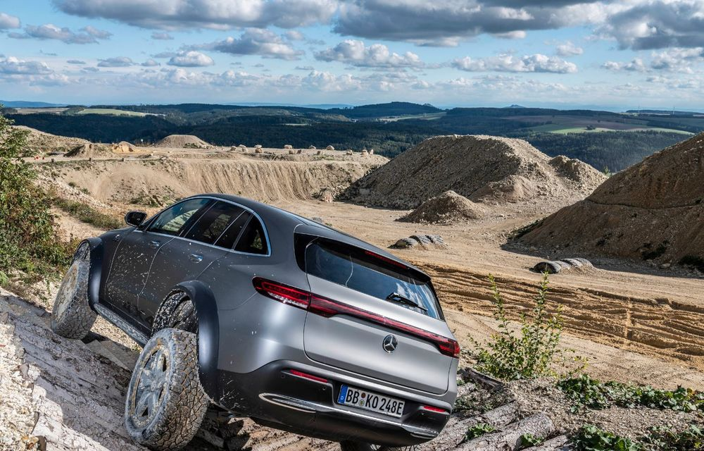 Mercedes-Benz prezintă proiectul EQC 4x4²: SUV-ul electric a fost transformat într-un vehicul de off-road - Poza 12