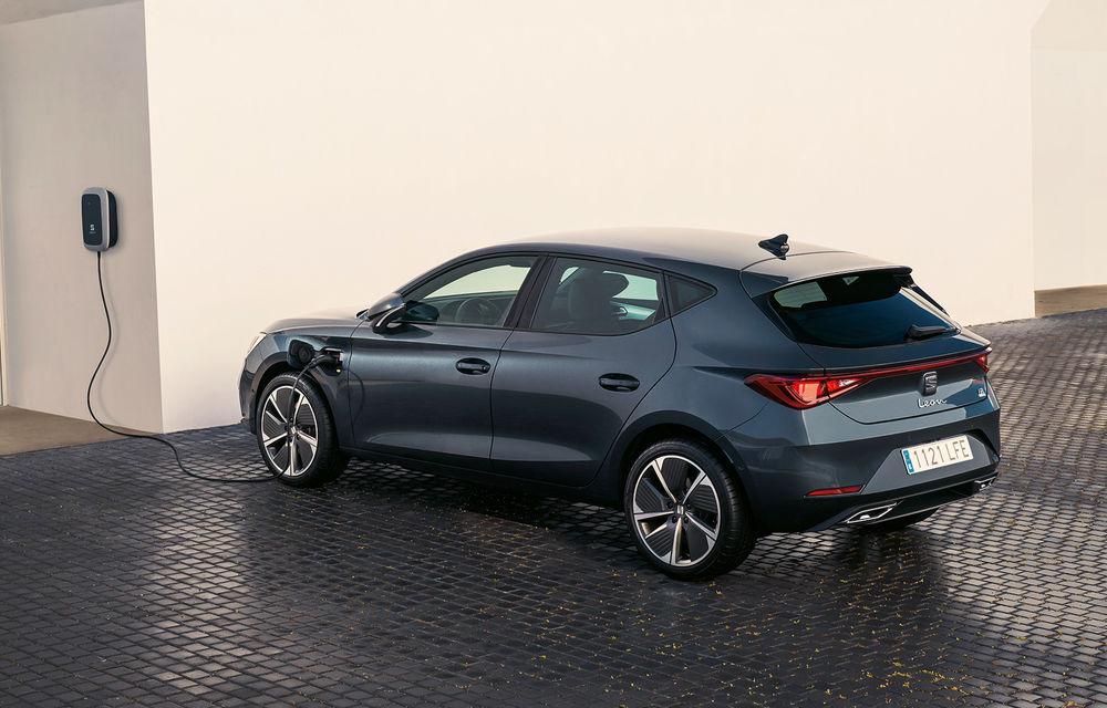 Prețuri pentru Seat Leon plug-in hybrid: hatchback-ul cu 204 CP pleacă de la 29.600 de euro - Poza 1