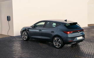 Prețuri pentru Seat Leon plug-in hybrid: hatchback-ul cu 204 CP pleacă de la 29.600 de euro