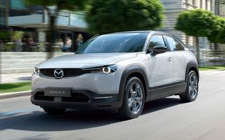 SUV-ul electric Mazda MX-30 primește noi funcții de conectivitate: șoferii pot controla prin telefon încărcarea bateriei sau sistemul de climatizare