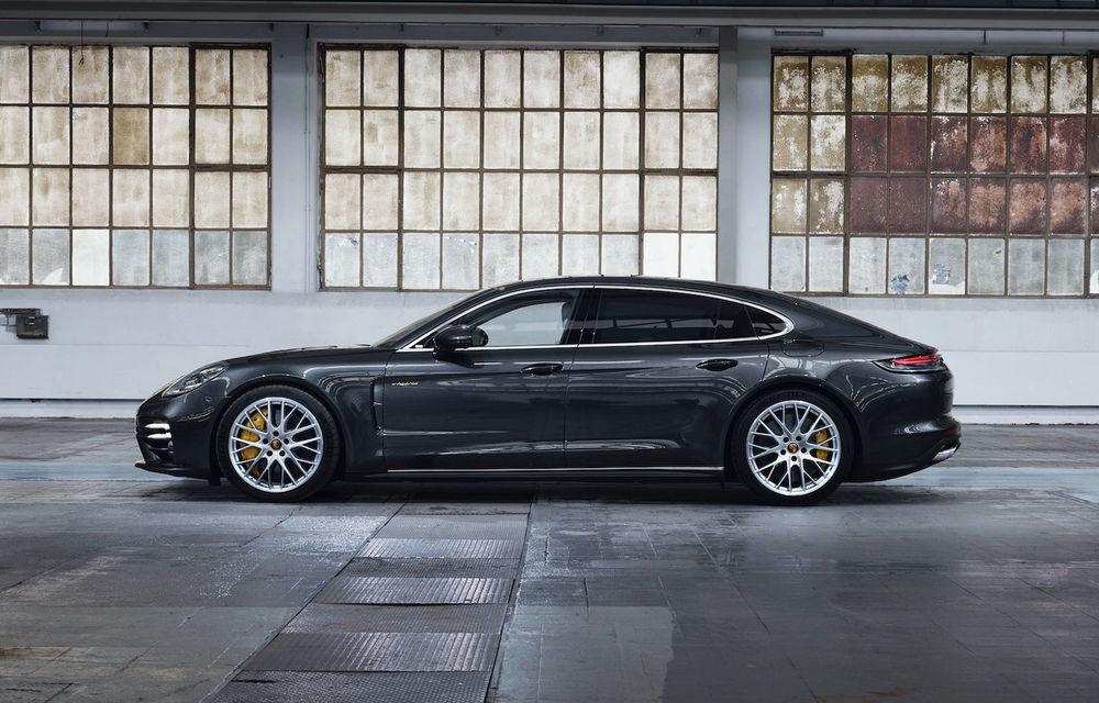 Porsche Panamera facelift primește o nouă versiune de top: Turbo S E-Hybrid are sistem plug-in hybrid de 700 de cai putere - Poza 3