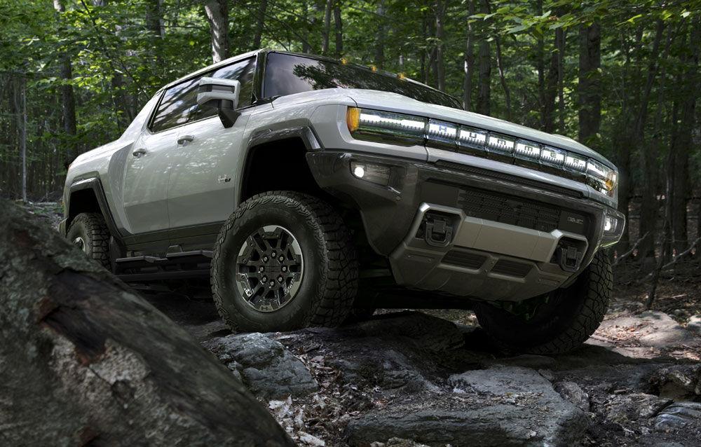 General Motors a prezentat Hummer EV: pick-up-ul electric are 1.000 de cai putere, autonomie de peste 560 de kilometri și încărcare cu 300 kW - Poza 3