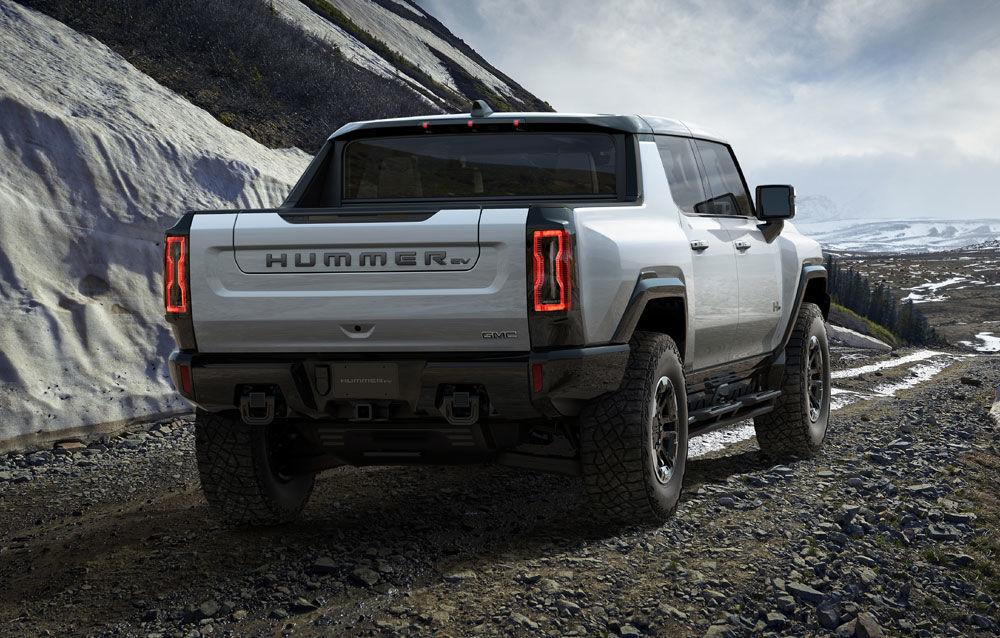 General Motors a prezentat Hummer EV: pick-up-ul electric are 1.000 de cai putere, autonomie de peste 560 de kilometri și încărcare cu 300 kW - Poza 4