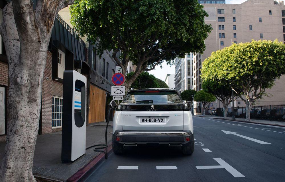 Prețuri pentru Peugeot 3008 facelift în România: SUV-ul producătorului francez pornește de la aproape 24.000 de euro - Poza 3