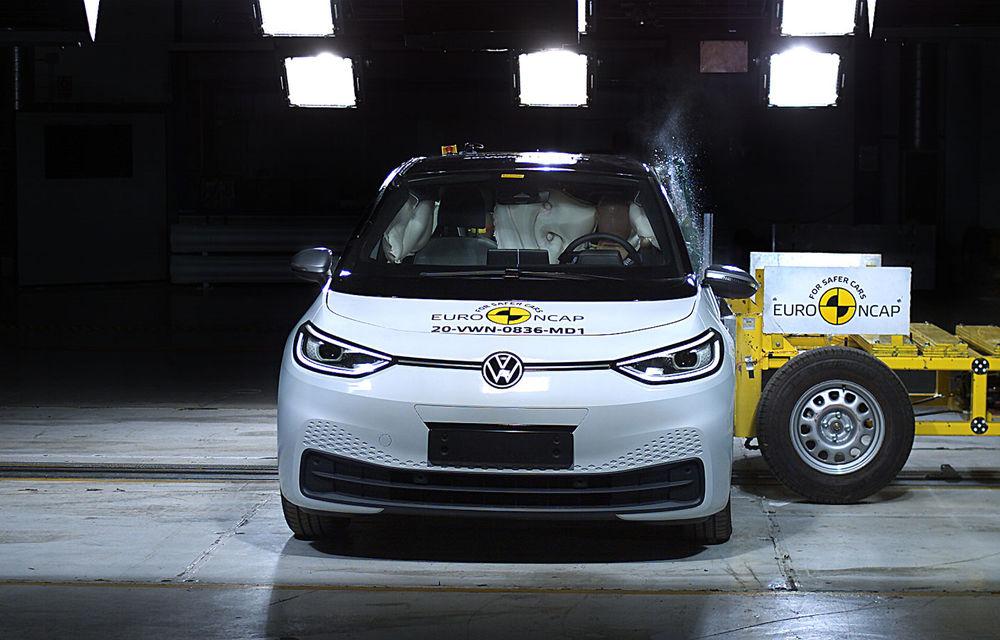 """Volkswagen ID.3 a obținut 5 stele la testele Euro NCAP: """"Hatchback-ul electric nu face compromisuri la siguranță"""" - Poza 5"""