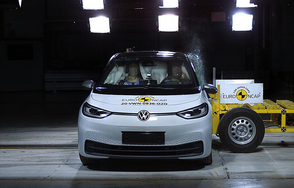 """Volkswagen ID.3 a obținut 5 stele la testele Euro NCAP: """"Hatchback-ul electric nu face compromisuri la siguranță"""" - Poza 2"""