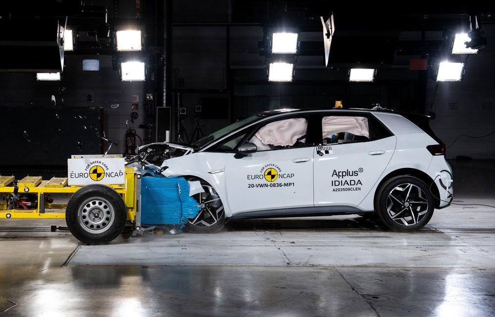 """Volkswagen ID.3 a obținut 5 stele la testele Euro NCAP: """"Hatchback-ul electric nu face compromisuri la siguranță"""" - Poza 8"""