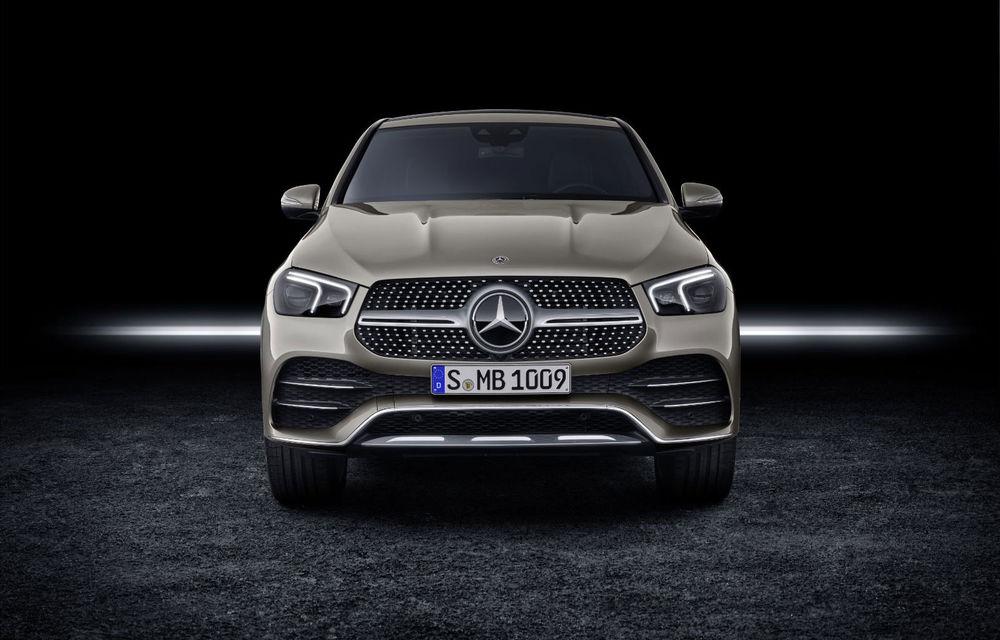 Recall inedit pentru Mercedes-Benz în SUA: un defect la sigla iluminată de pe grilă poate dezactiva direcția SUV-urilor GLE și GLS - Poza 1