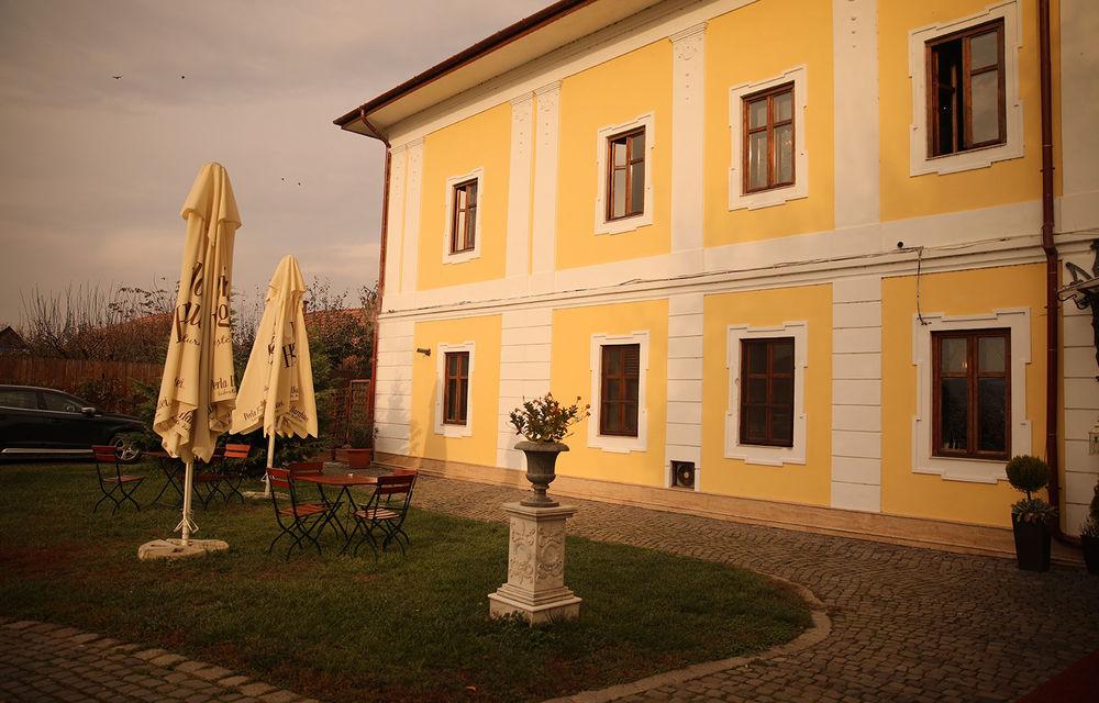 Romanian Roads Luxury Edition, ziua 2: De la Castel Daniel prin Valea Verde până la Castel Haller. Plus o lecție aspră despre siguranța rutieră din România - Poza 98