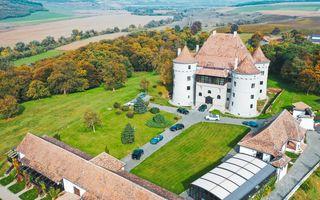 Romanian Roads Luxury Edition, ziua 3: Povestea unui castel desprins din povești și drumul spre inima Transilvaniei