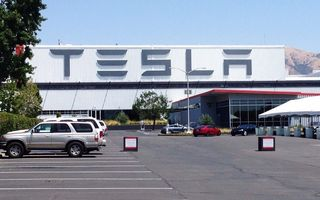 Tesla cheamă în service aproape 50.000 de unități Model S şi Model X din China: posibile defecțiuni la suspensii