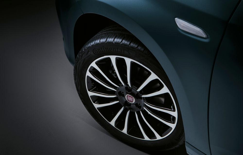 Primele imagini cu Fiat Tipo facelift: compacta primește modificări de design, motoare noi și versiune Cross - Poza 19