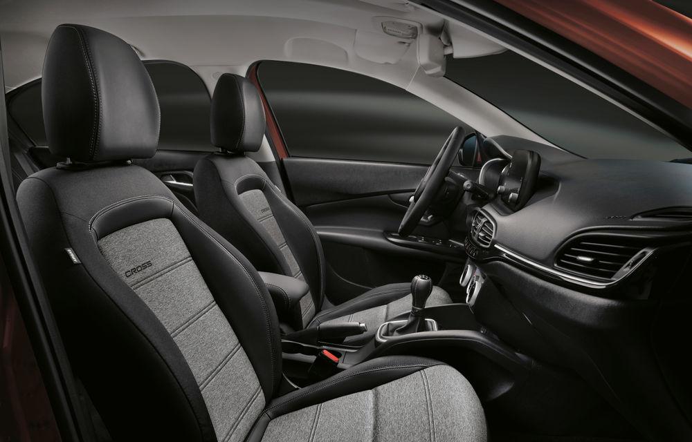 Primele imagini cu Fiat Tipo facelift: compacta primește modificări de design, motoare noi și versiune Cross - Poza 22