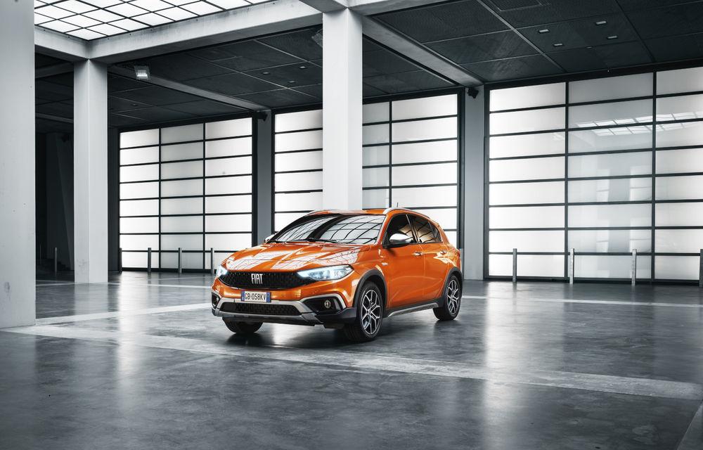 Primele imagini cu Fiat Tipo facelift: compacta primește modificări de design, motoare noi și versiune Cross - Poza 8