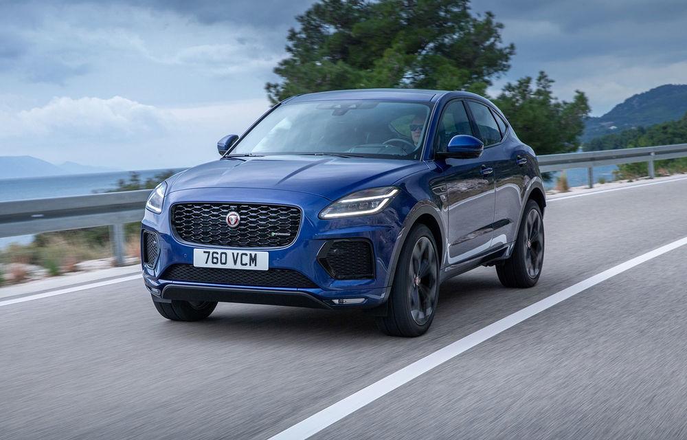 Jaguar a prezentat E-Pace facelift: mici modificări la nivel estetic, un nou ecran central curbat cu diagonala de 11.4 inch și variantă plug-in hybrid - Poza 1