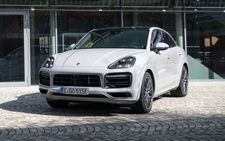 Versiunile plug-in hybrid ale lui Porsche Cayenne primesc o baterie mai mare: autonomia electrică crește până la 48 de kilometri