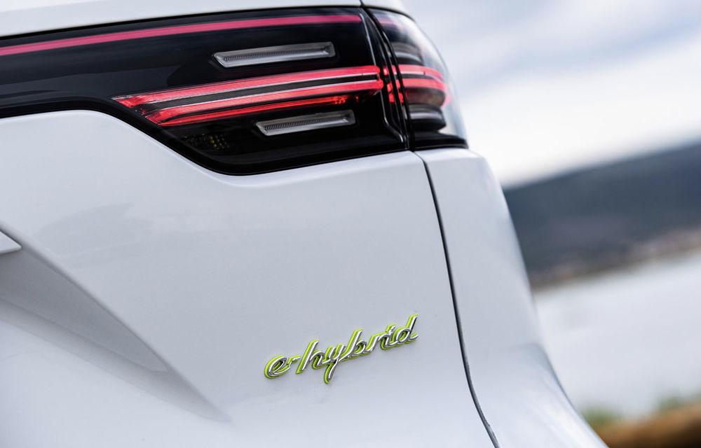 Versiunile plug-in hybrid ale lui Porsche Cayenne primesc o baterie mai mare: autonomia electrică crește până la 48 de kilometri - Poza 3