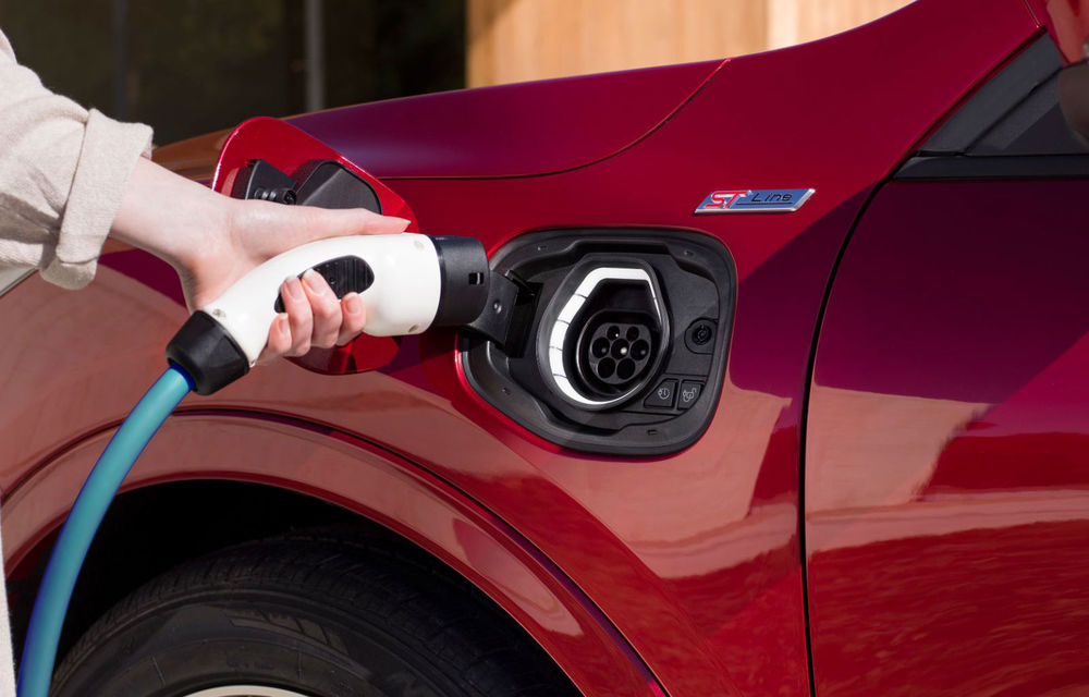 Ford anunță soluția pentru recall-ul la versiunea plug-in hybrid a lui Kuga: bateria va fi înlocuită - Poza 1