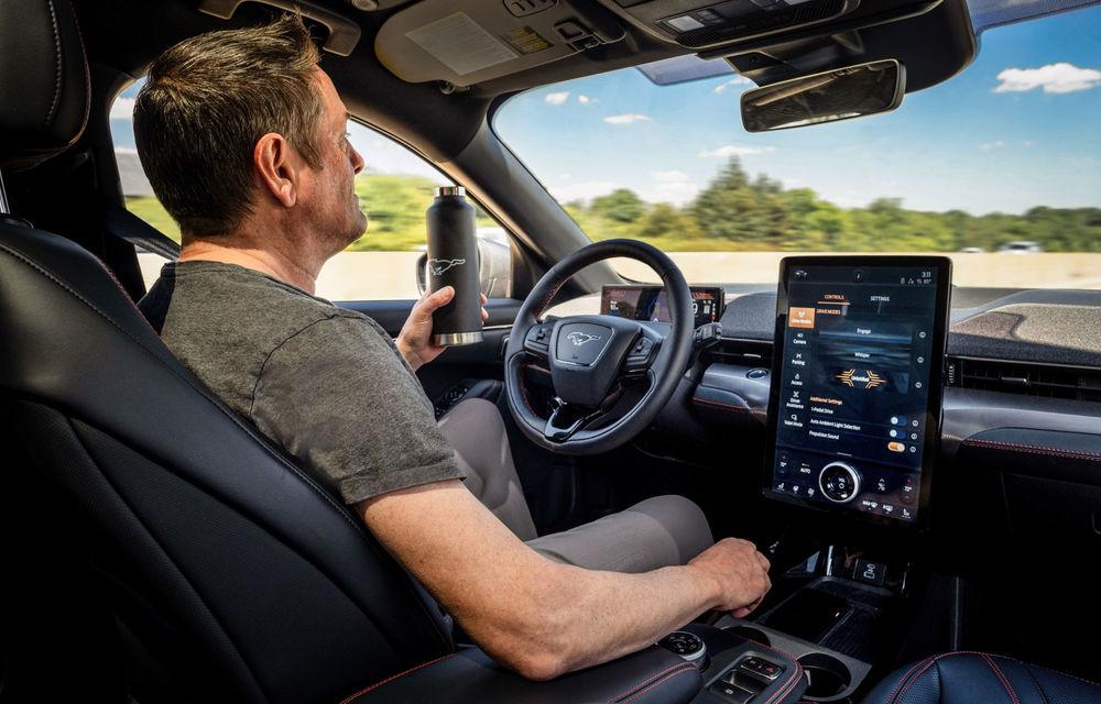 Noi detalii despre sistemul care permite șoferilor Ford să ia mâinile de pe volan în timpul mersului: va fi disponibil în SUA pe Mach-E și F-150 din 2021 - Poza 1